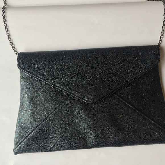 Lily & Ivy Handbags - Lily & Ivy Sparkle Clutch/Crossbody Bag Like New